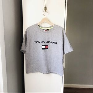 Tommy Jeans Vintage style crop graphic t-shirt
